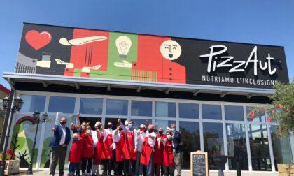 Il sindaco Beppe Sala a pranzo da PizzAut a Cassina de' Pecchi