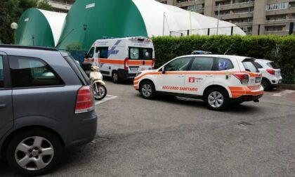 Si sente male dopo la partita di tennis, arriva l'ambulanza e lo porta in ospedale