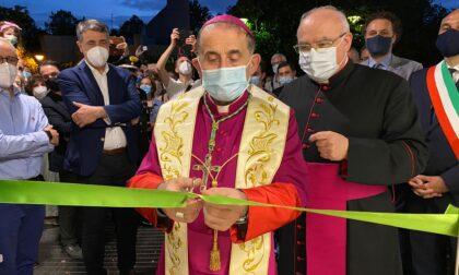A Cernusco sul Naviglio l'arcivescovo apre la Bottega della solidarietà