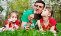 L'estate è alle porte: come progettarla tenendo conto delle esigenze di tutta la famiglia?