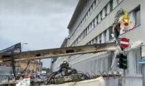 Paura a Milano: crolla una trivella in un cantiere di via Serio