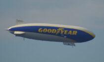 Il dirigibile Goodyear in volo nei cieli dell'Adda Martesana