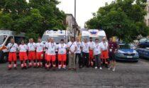 Gli angeli della Croce Azzurra di Trezzo sull'Adda vegliano sul Giro d'Italia femminile