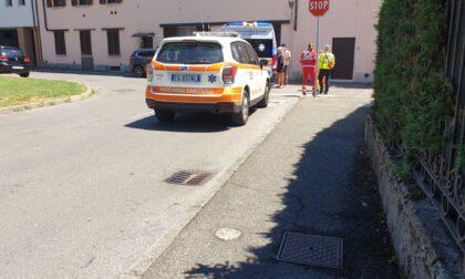 Ambulanza e automedica a Groppello per un ciclista