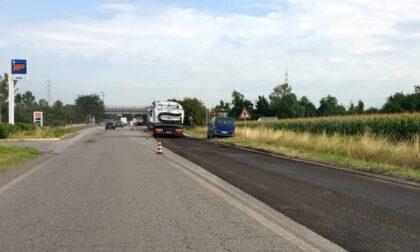Lavori di rifacimento dell'asfalto sulla Cerca: lunghe code in entrambe le direzioni di marcia
