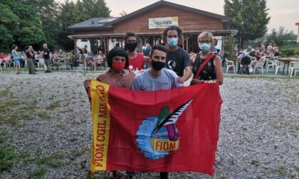 A Cernusco sul Naviglio pastasciutta antifascista per i lavoratori Gkn di Firenze licenziati via email