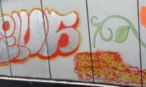 Scritta no-vax deturpa murales sul Naviglio nel sottopasso dedicato a una ragazza investita