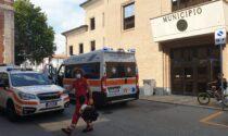 Malore davanti al Comune, anziano in ospedale in condizioni disperate