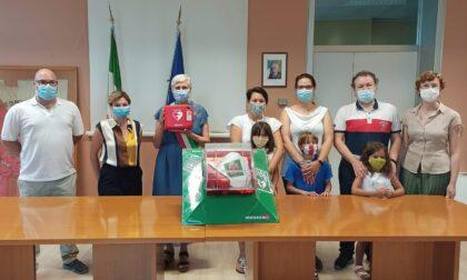 Un defibrillatore donato al Comune di Bellinzago
