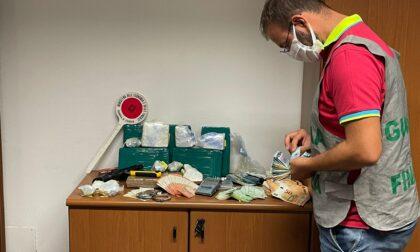 Arrestato trafficante di droga. Aveva 8,3 chilogrammi di cocaina e oltre 25mila euro in contanti