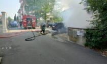 Auto in fiamme a Cassano, intervengono i Vigili del fuoco