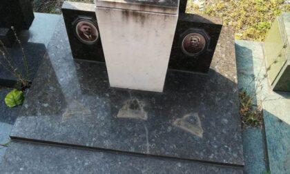 Ladri al cimitero: depredate 42 tombe