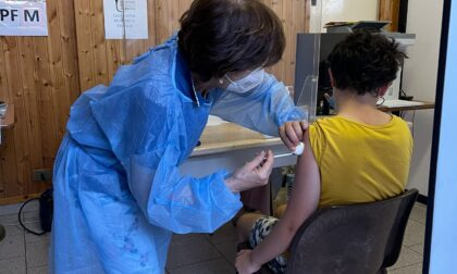Vaccini, Cernusco sul Naviglio prima della classe per inoculazioni