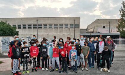Bambini in pigiama per le strade di Melzo per raccogliere fondi per la Lilt