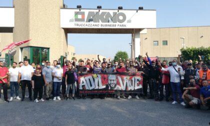 Picchetto a Truccazzano al fianco dei 49 lavoratori sospesi