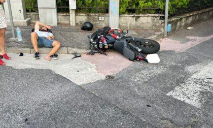 Travolto e lasciato sull'asfalto: è caccia al pirata della strada