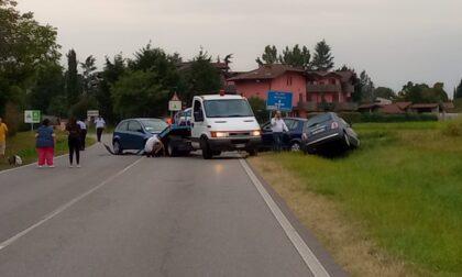 Frontale tra più auto, incidente poi la carambola sulla Provinciale