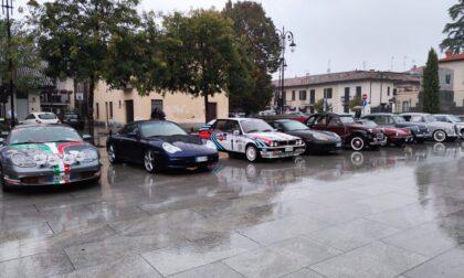 Auto d'epoca in piazza a Cassano d'Adda