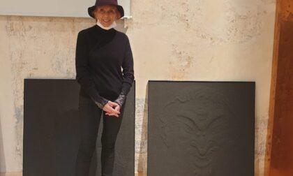 Valérie Rauchbach, l'artista della sabbia, espone a Cassina de' Pecchi