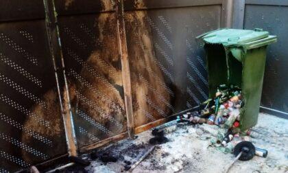 Incendio doloso nelle case comunali