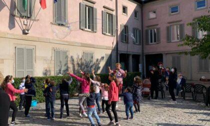 Festa della Madonna del Rosario fra celebrazioni, clown e bancarelle